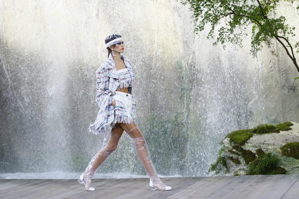 chanel ready to wear spring 2018, paris fashion week, kaia gerber