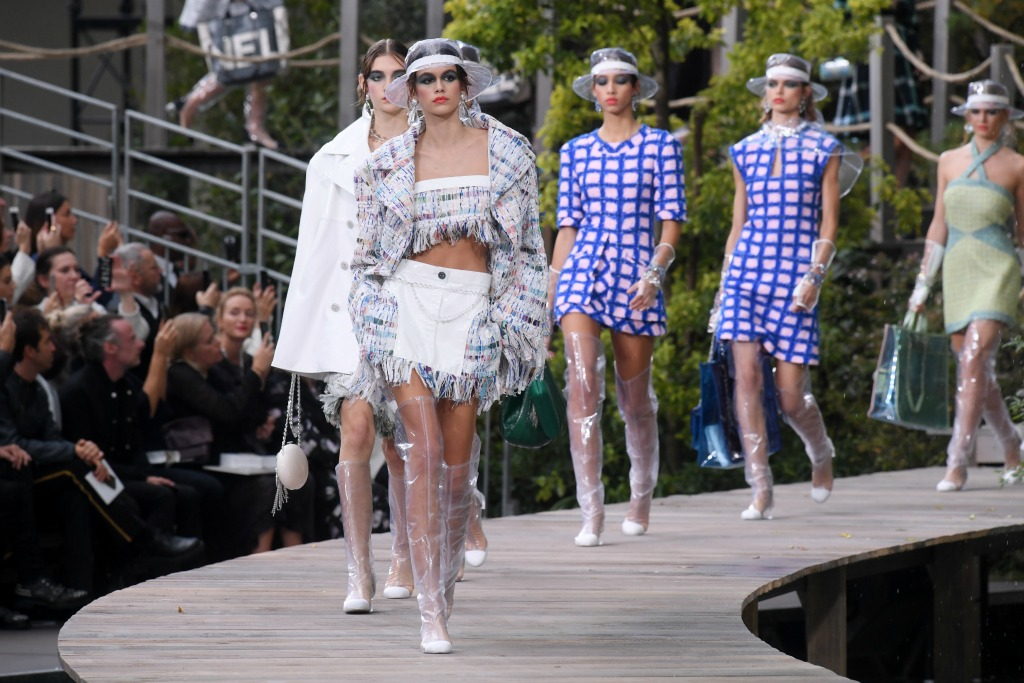 chanel ready to wear spring 2018, paris fashion week