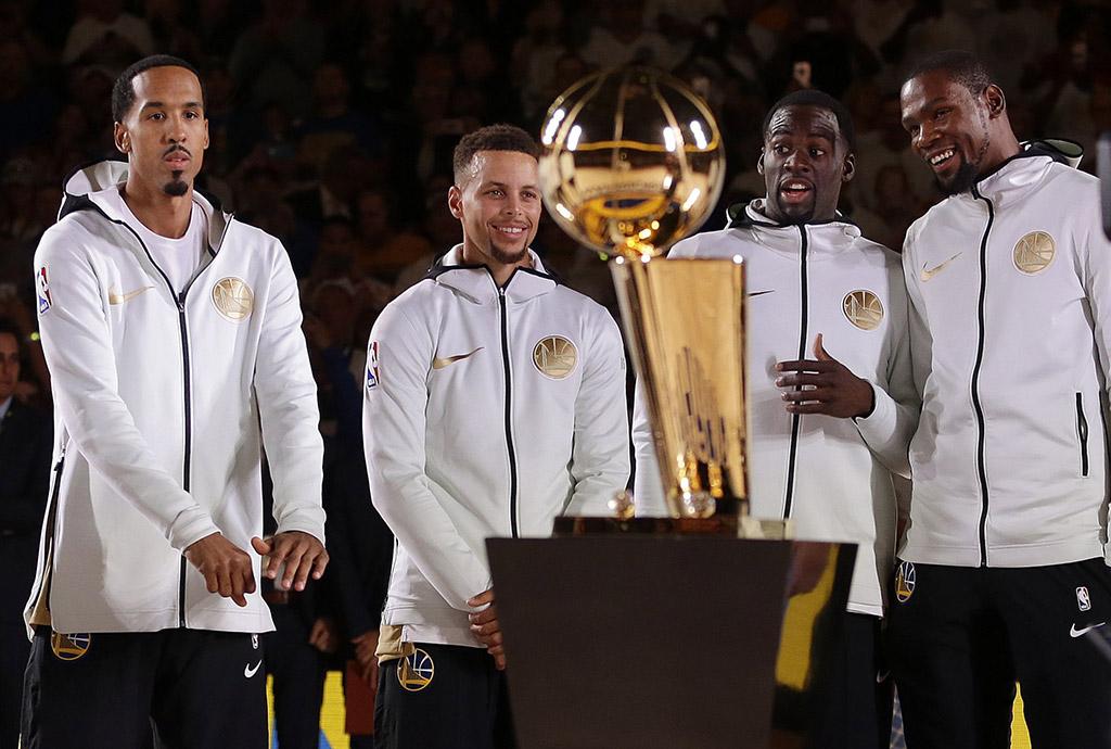 Golden State Warriors Houston Rockets 2017 NBA championship diamond rings trophy