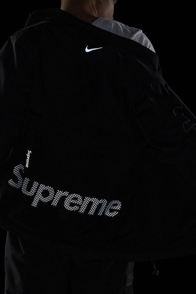 Supreme x Nike Air Humara '17