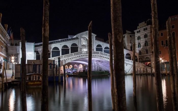 The Venice's Ponte di Rialto.
