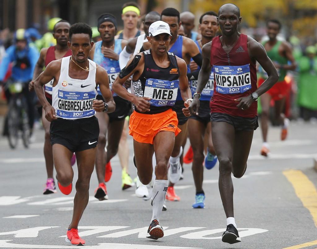 Meb Keflezighi, Ghirmay Ghebreslassie, Wilson Kipsang compete side by side in the NYC Marathon