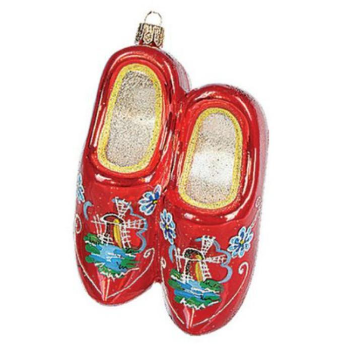 Pinnacle Peak Trading Co. Red Wooden Dutch Shoe Ornament