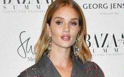 Rosie Huntington-Whiteley attends the Bazaar 150