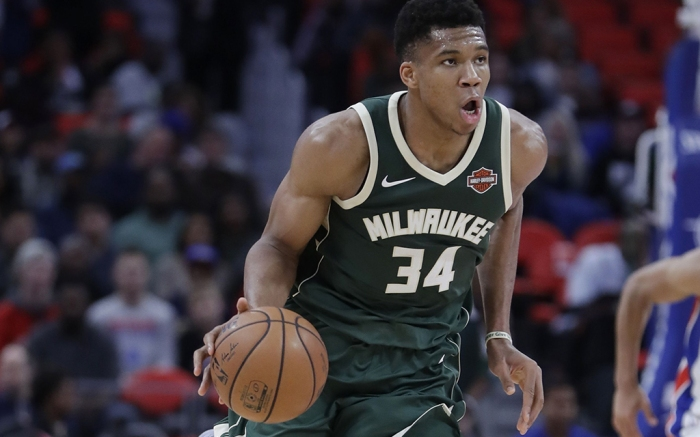Giannis Antetokounmpo Milwaukee Bucks Nike