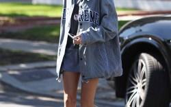 Hailey Baldwin Streetwear Style