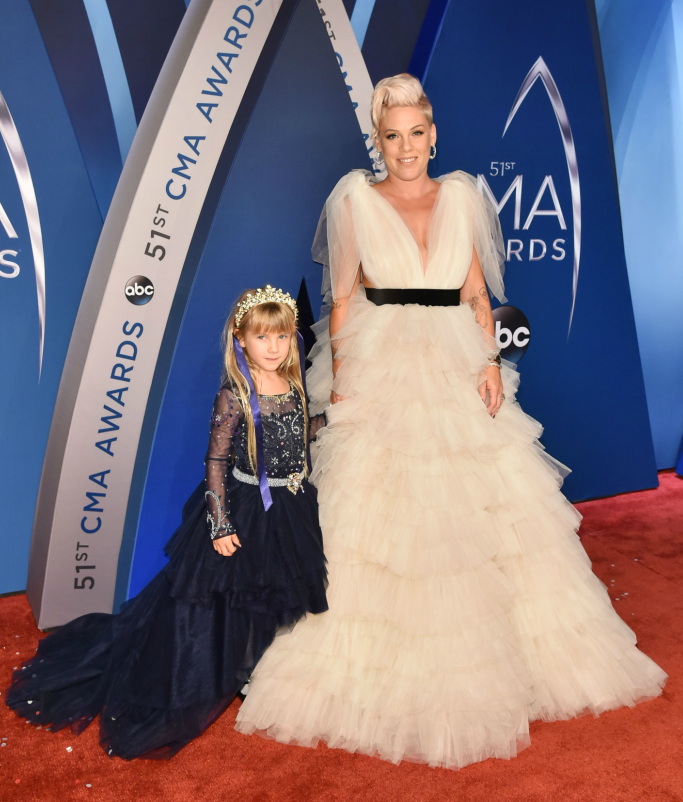 Pink with daughter Willow Sage Hart at the CMA Awards
