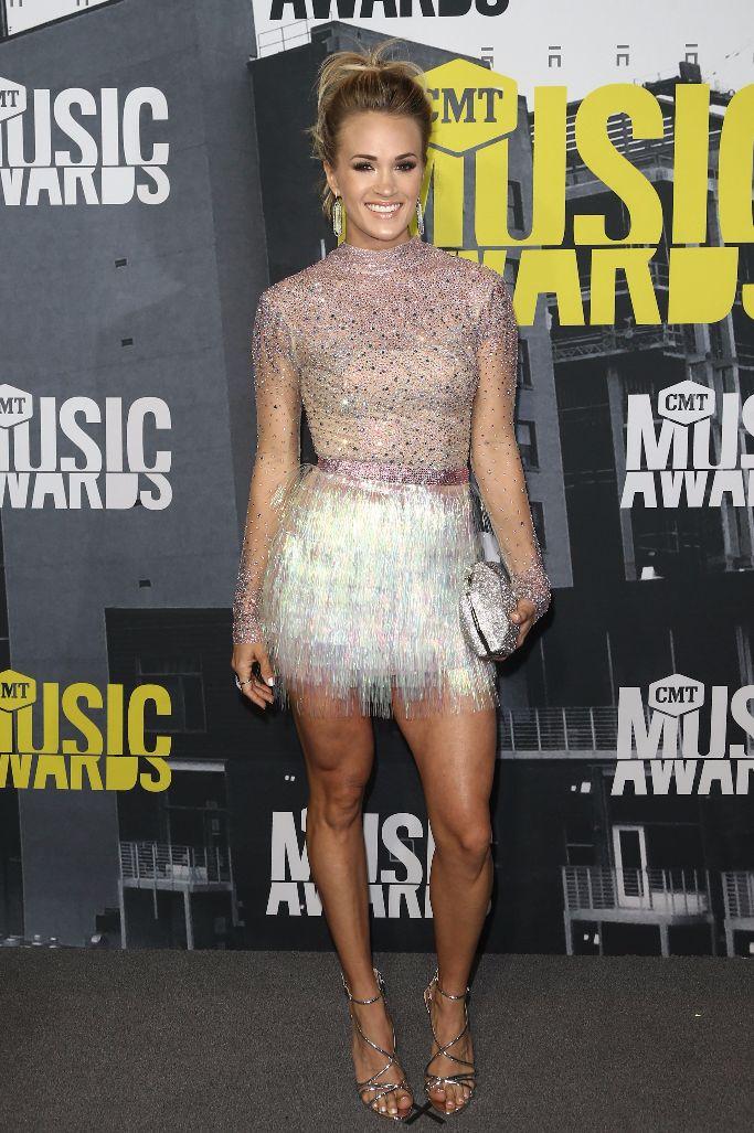 Carrie Underwoods Leg-Flattering Hack: High Heels, High