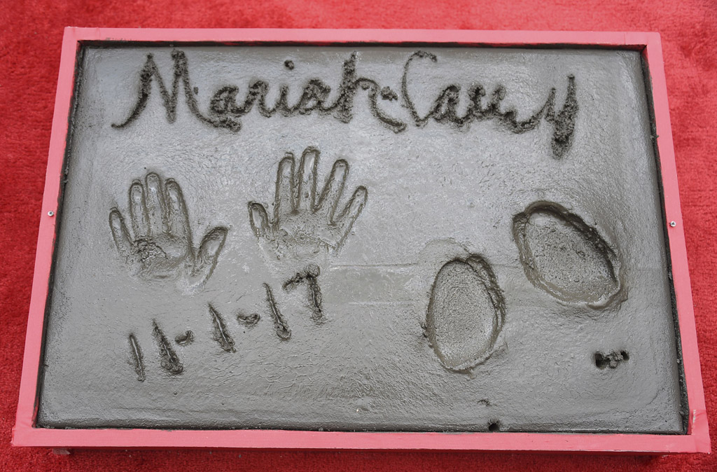 mariah carey handprints footprint ceremony chinese theatre