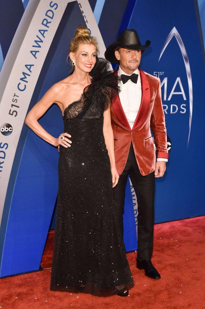 Faith Hill and Tim McGraw, cma awards 2017, red carpet
