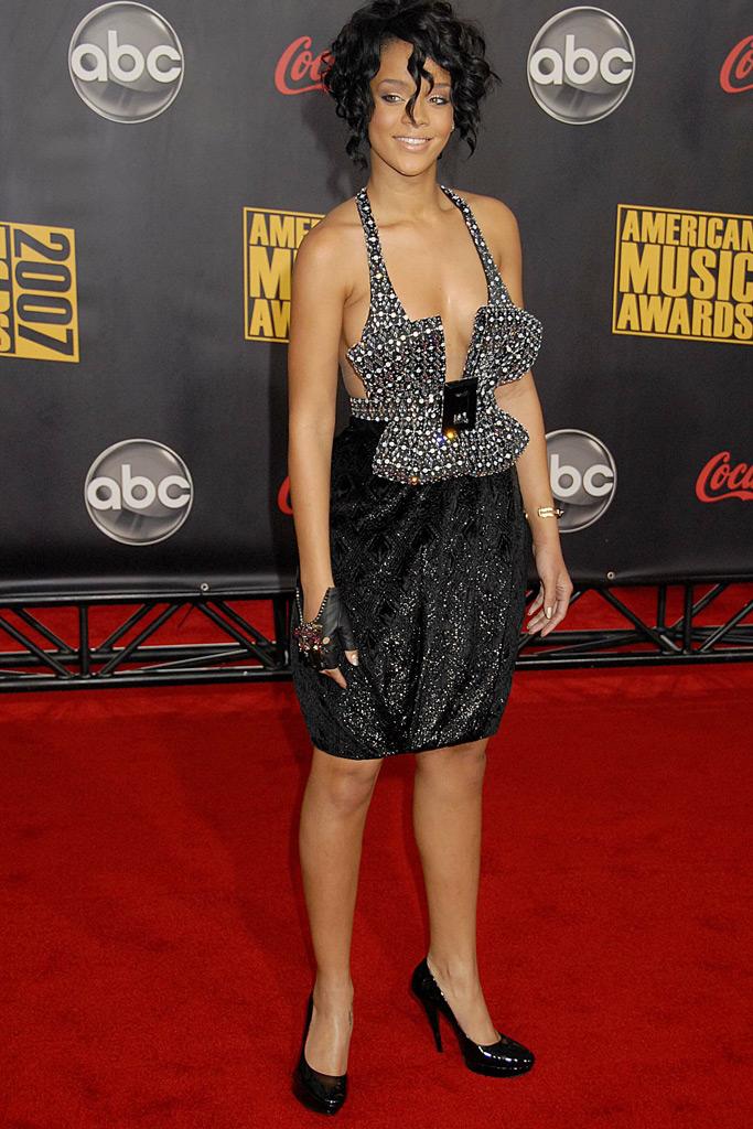 Rihanna , AMA Awards