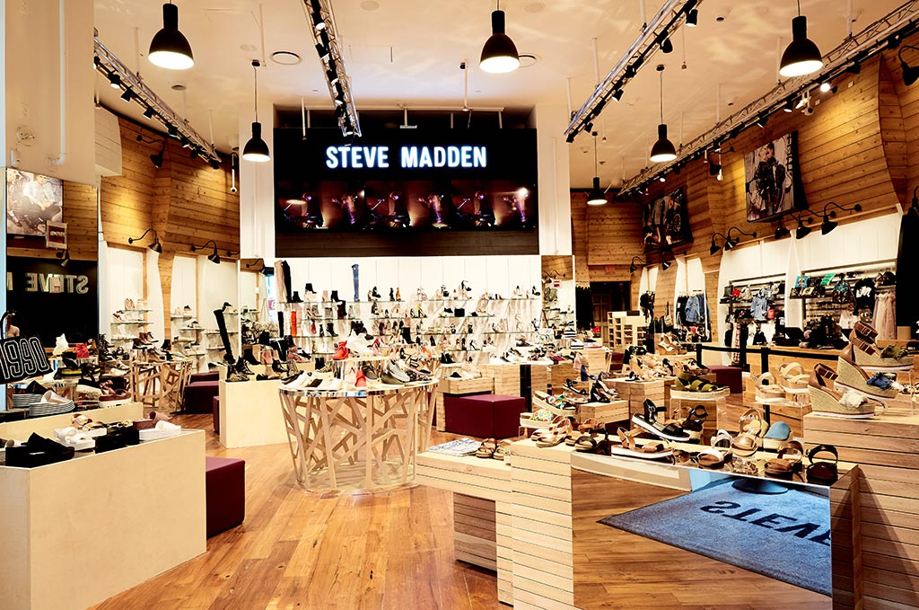 físicamente Aparentemente Inodoro  Steve Madden Q1 Sales, Profits Fly Past Wall Street Expectations –  Evesham-nj News