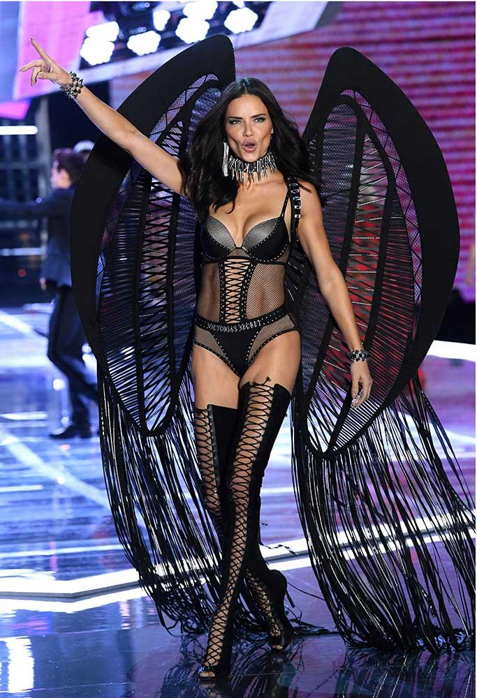 Adriana Lima, Victoria's Secret Show 2017