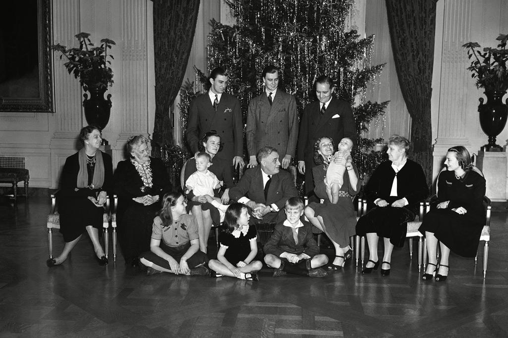 roosevelt, white house, holiday christmas decor, FDR