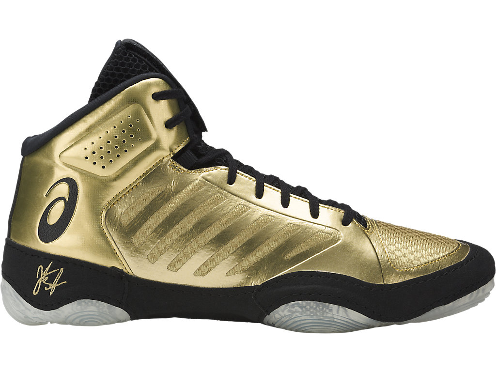 5 Wrestling Shoes to Buy Now: Dominate the Mat Starting at $50 ...