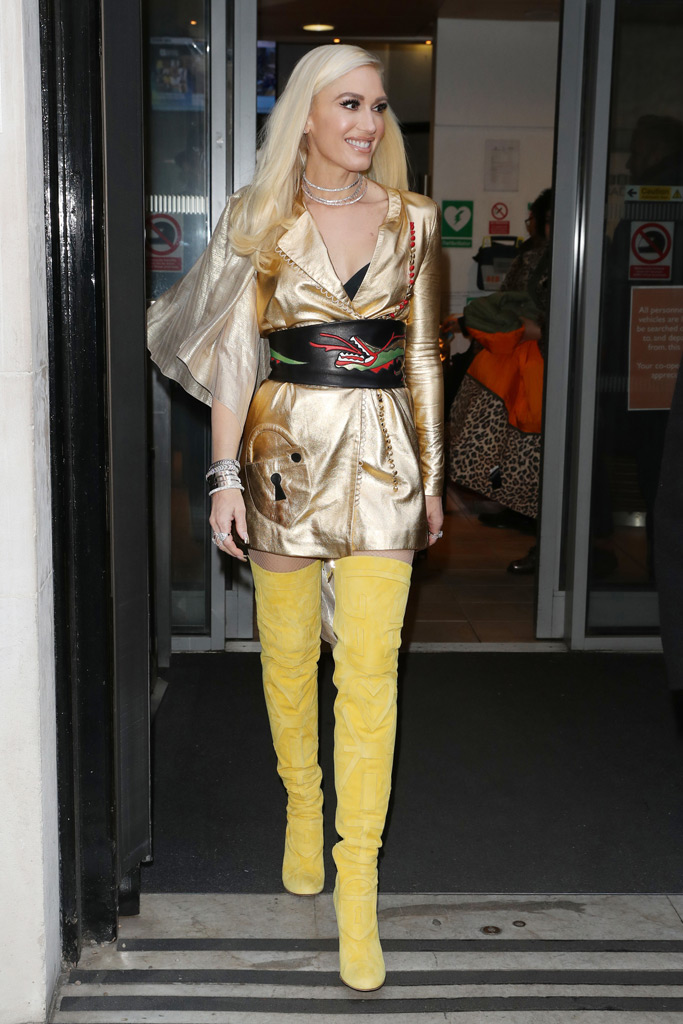 Gwen Stefani, London, radio, christmas