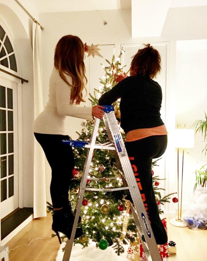 jennifer lopez, stiletto boots, christmas tree