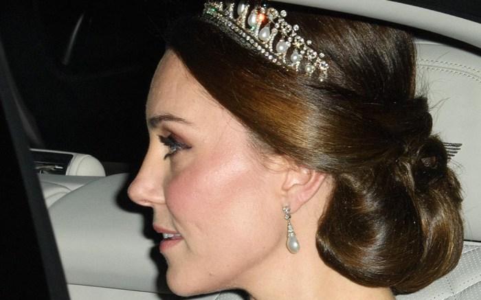 kate middleton lovers knot tiara diplomatic dinner