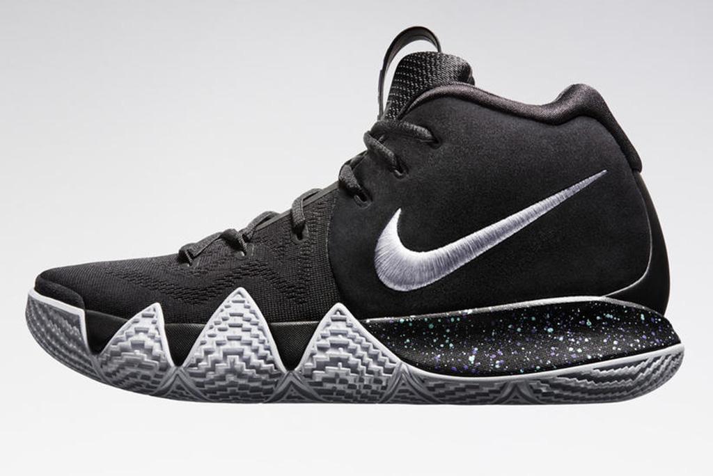 Nike Kyrie 4 Black/White