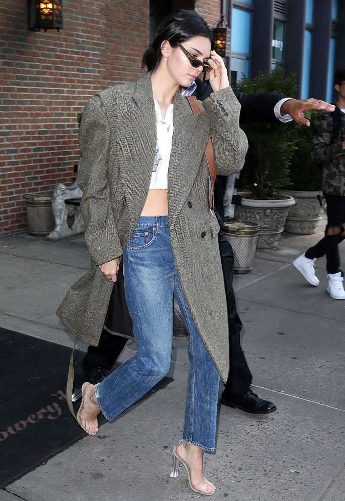 Kendall Jenner, Yeezy clear sandals