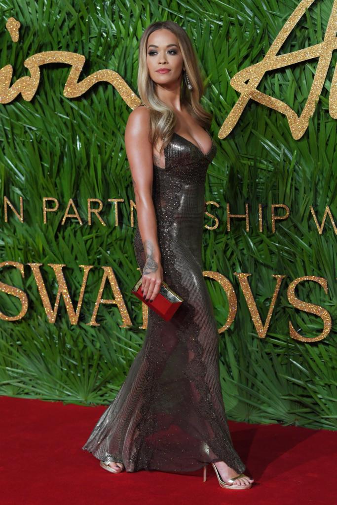 rita ora, versace, red carpet, british fashion awards 2017