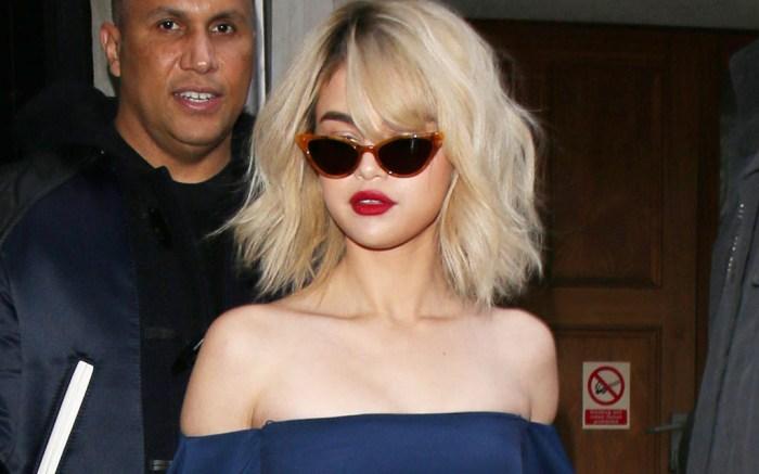 Selena Gomez blue Cushnie et Ochs bodycon dress in london 2017