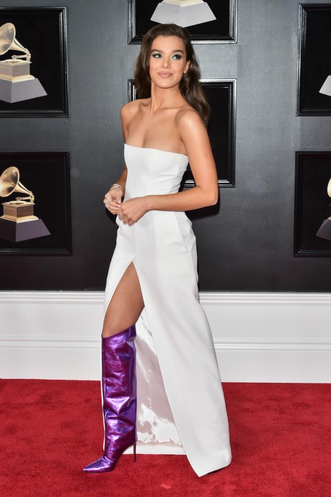 Hailee Steinfeld, 2018 grammys, purple boots, red carpet