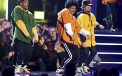 Bruno Mars Performs in Virgil Abloh