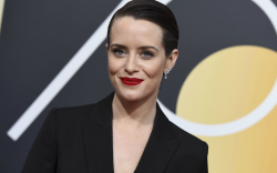 golden globes 2018, claire foy, red