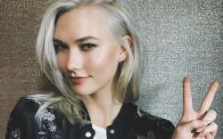 Karlie Kloss posts Instagram from the