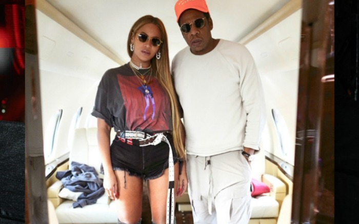 Beyoncé and Jay Z share a pic of their date on Instagram.