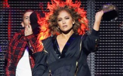 Jennifer Lopez Performs at Calibash Las