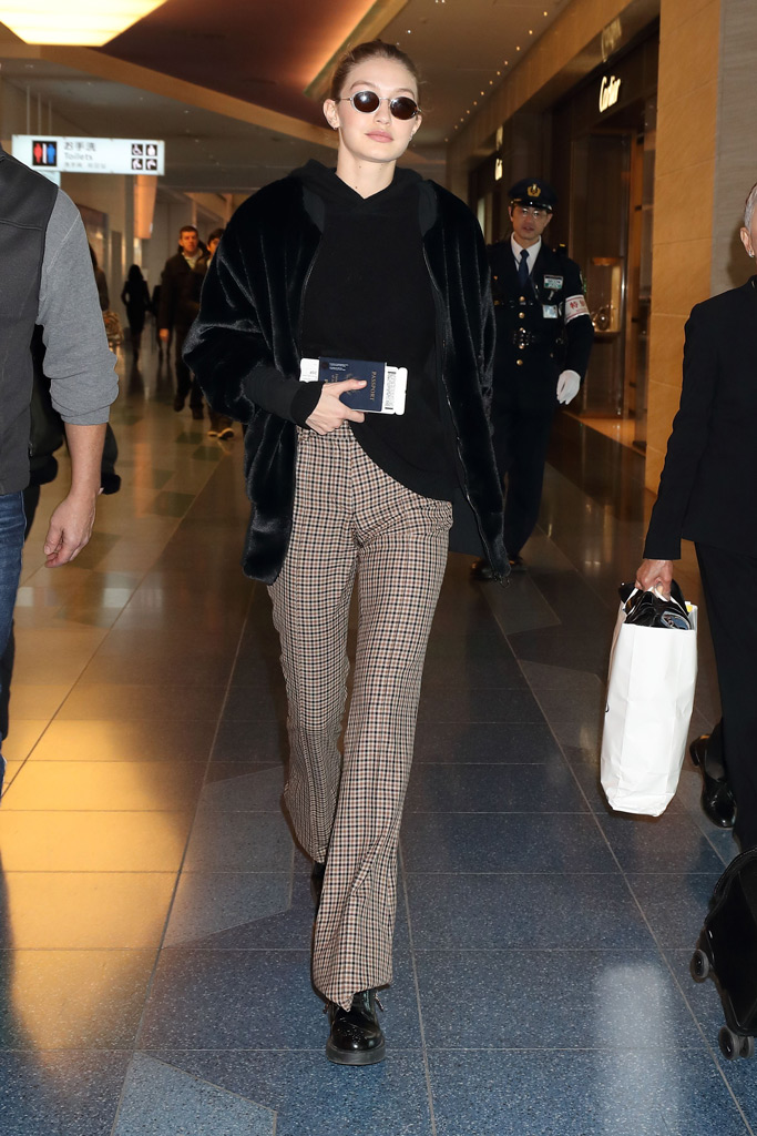 Gigi Hadid, Tokyo Airport