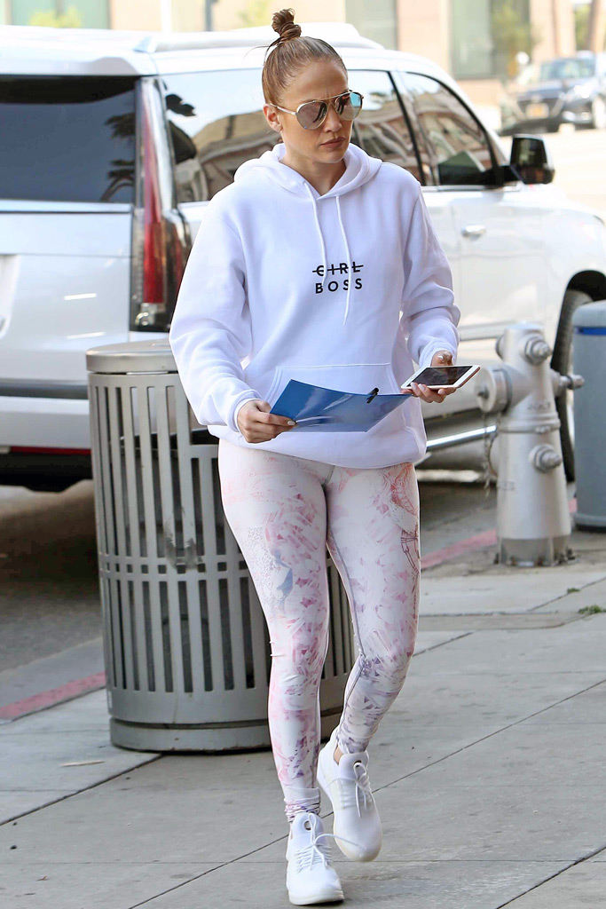 Jennifer Lopez, printed leggings, gym
