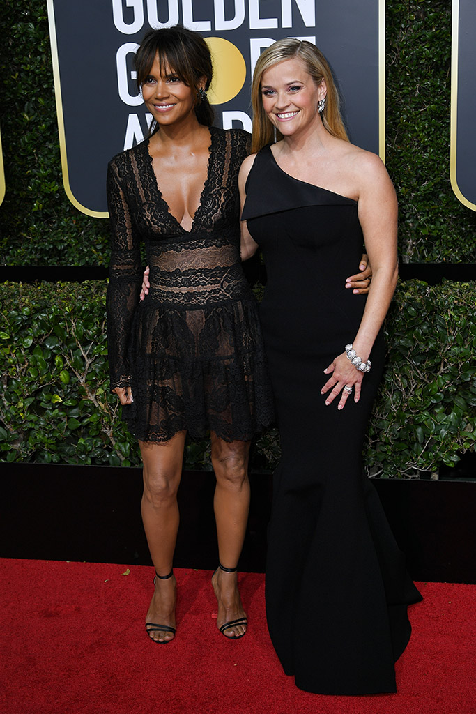 halle berry, reese witherspoon, golden globe awards 2018, red carpet, jimmy choo