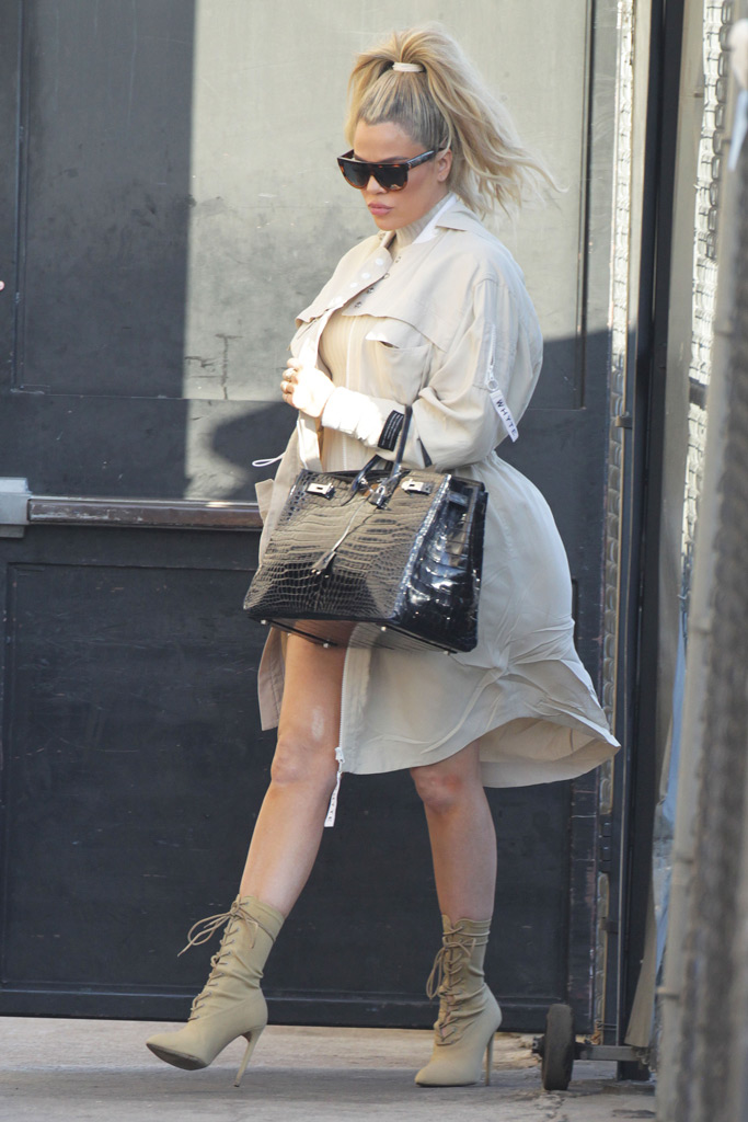 Khloé Kardashian , pregnant, baby bump, yeezy boots, jimmel kimmel live