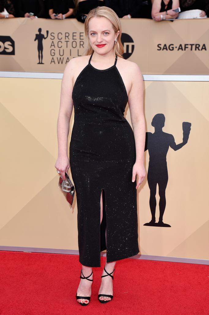 Elizabeth Moss, sandals, sag awards red carpet