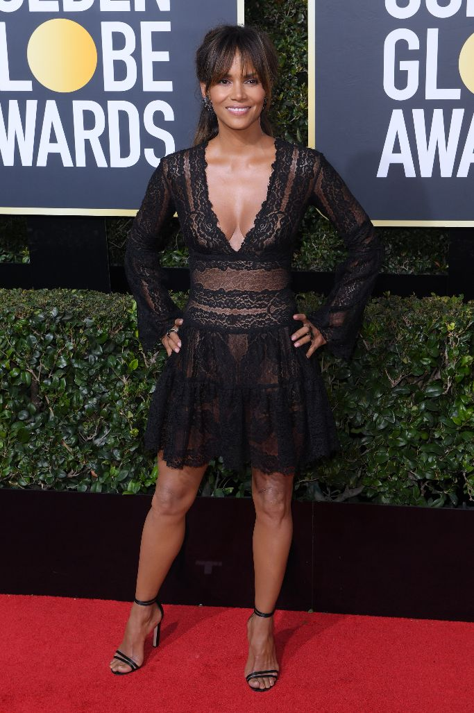 halle berry, golden globes 2018, sandals, red carpet