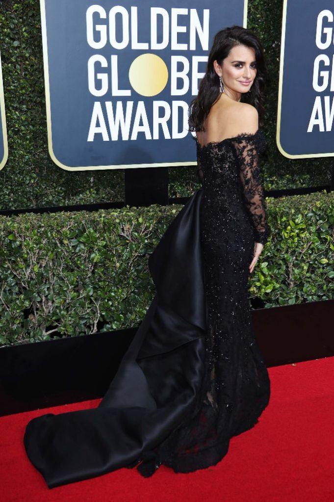 Penelope Cruz Golden Globes 2018 Ralph Russo gown