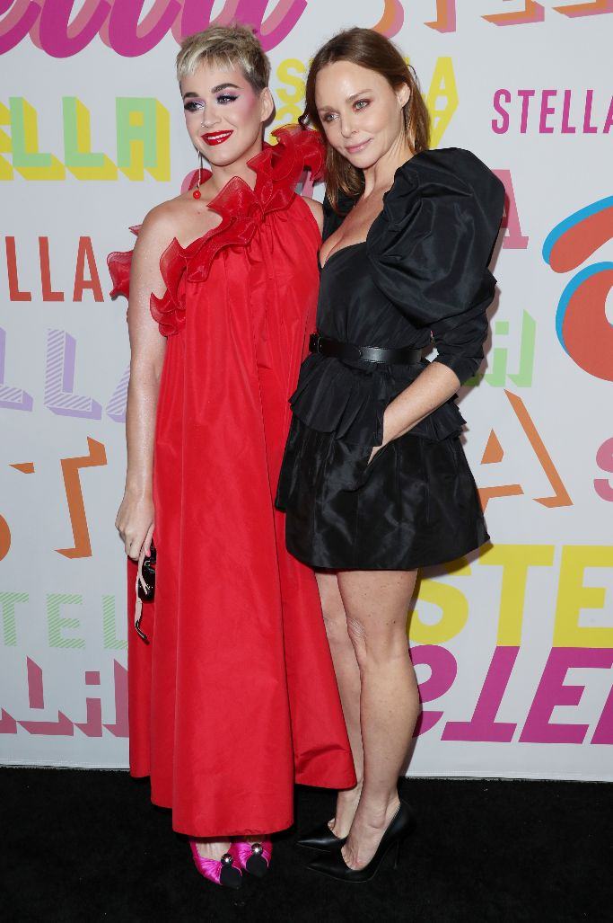 Katy Perry posing with Stella McCartney