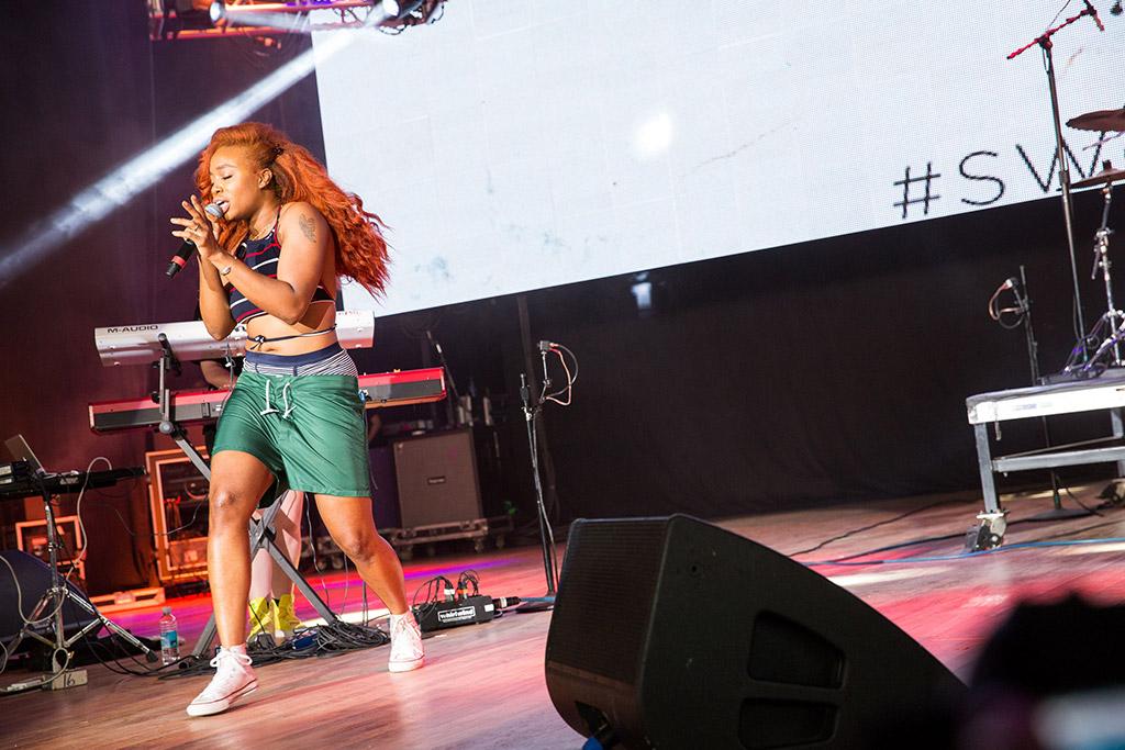 SZA, grammy artist, converse chuck taylors, sweet green festival 2015