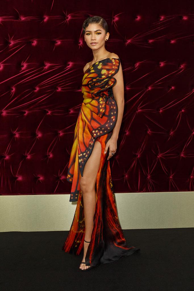 zendaya, red carpet style 2017, moschino butterfly dress, stuart weitzman sandals
