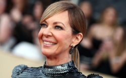 Allison Janney, red carpet
