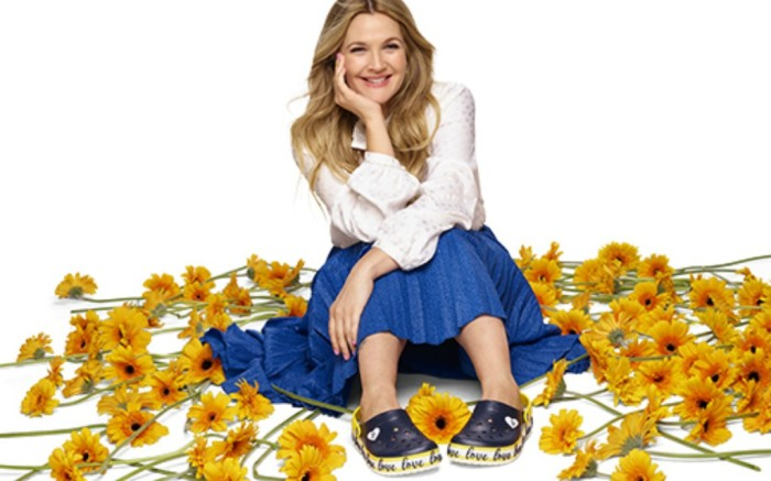 drew barrymore, crocs