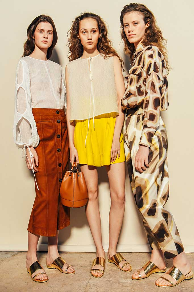 Massimo Dutti spring 2018 see now buy now show in Paris.