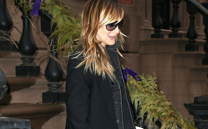 Sarah Jessica Parker steps out of her home.