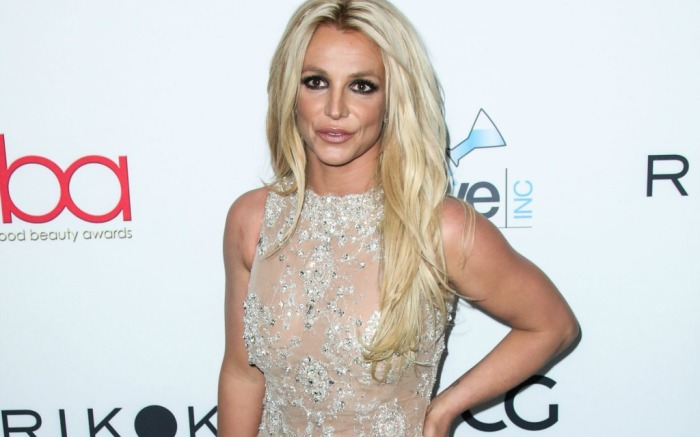 Britney Spears attends the Hollywood Beauty Awards in L.A.