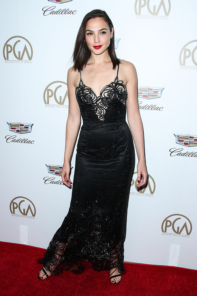 gal gadot, producers guild awards 2018, red carpet style, armani prive