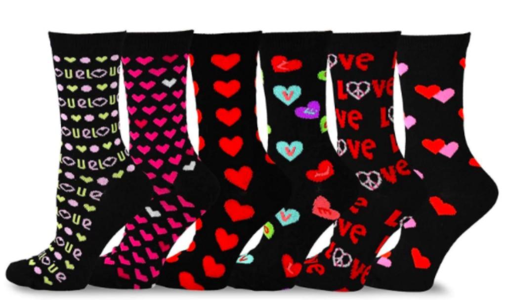 TeeHee Women's Valentine's Day Heart and Love Crew Socks