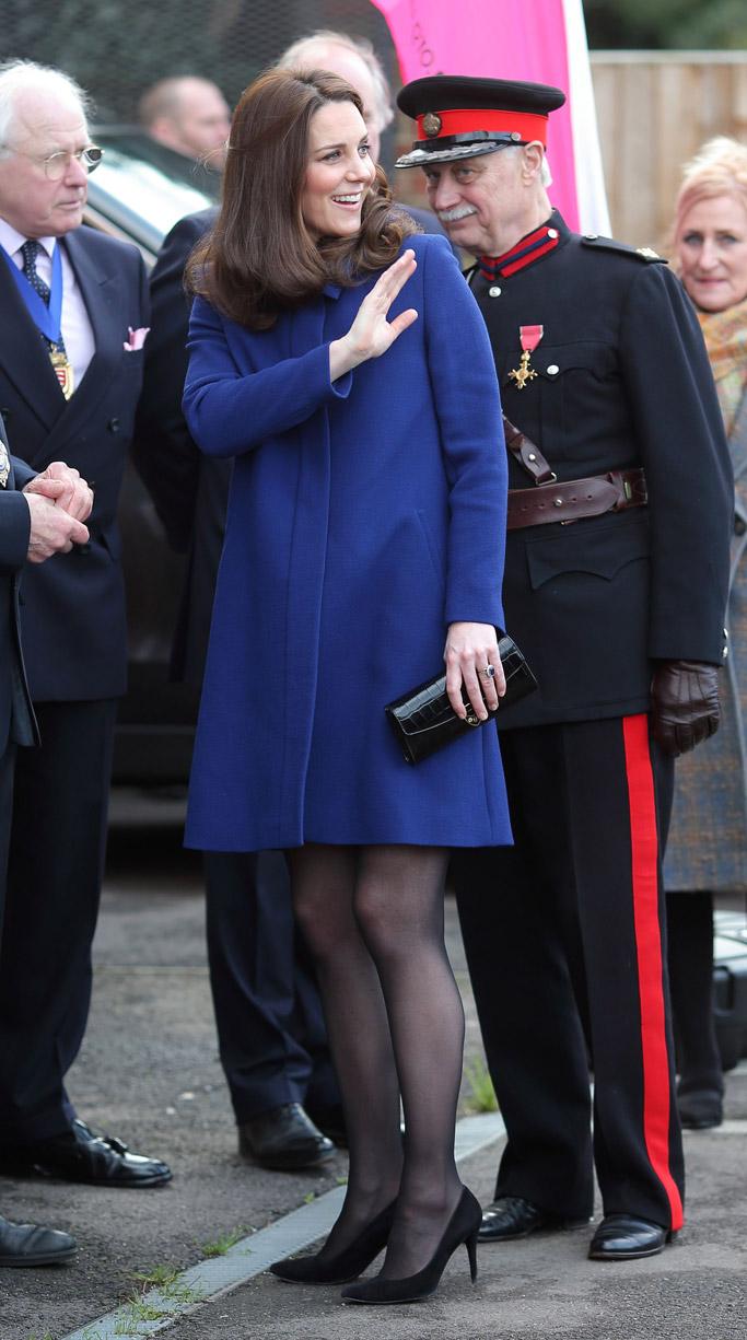 Kate Middleton pregnant blue coat high heels